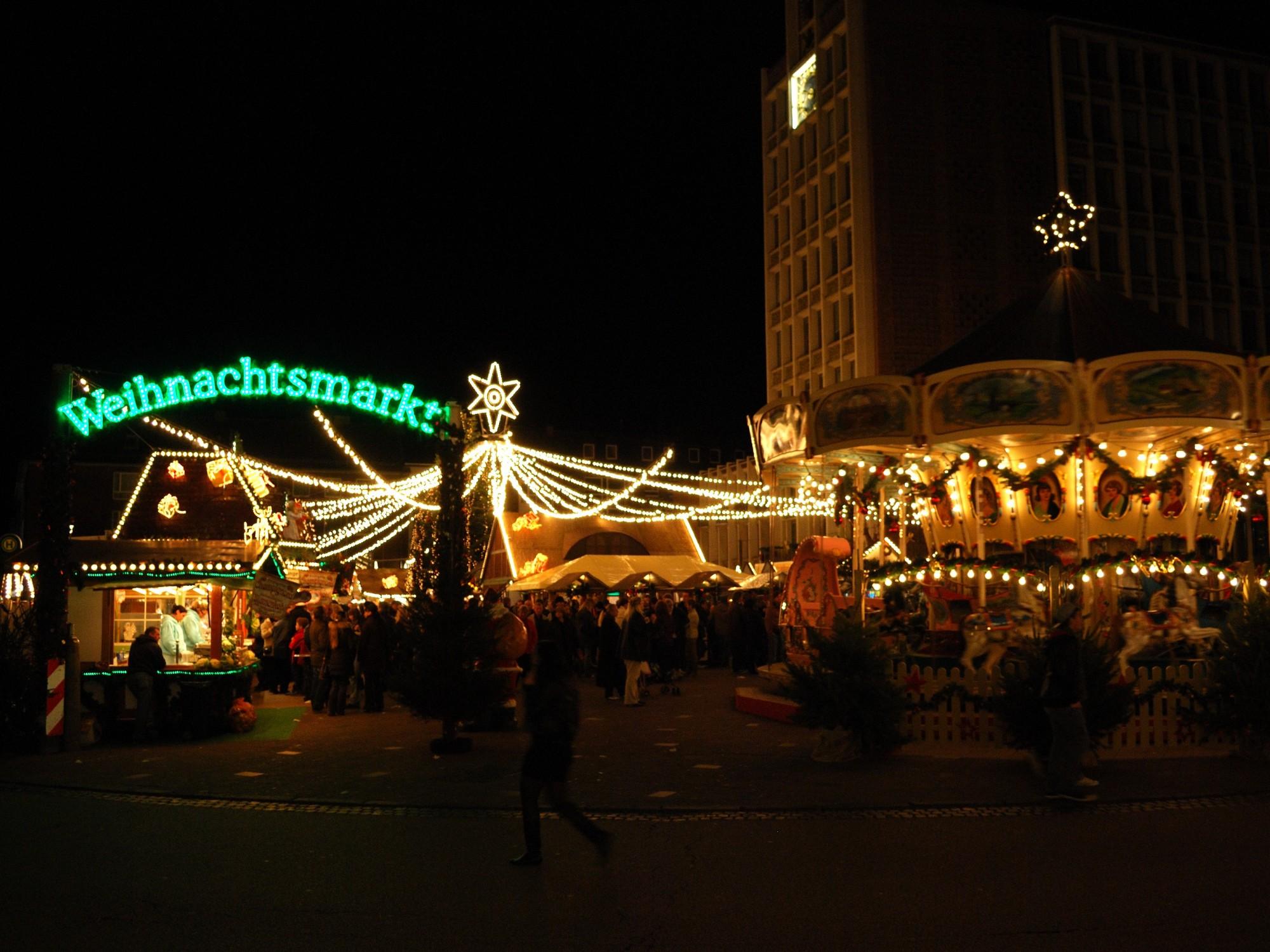 Totensonntag Weihnachtsmarkt.Der Dürener Weihnachtsmarkt
